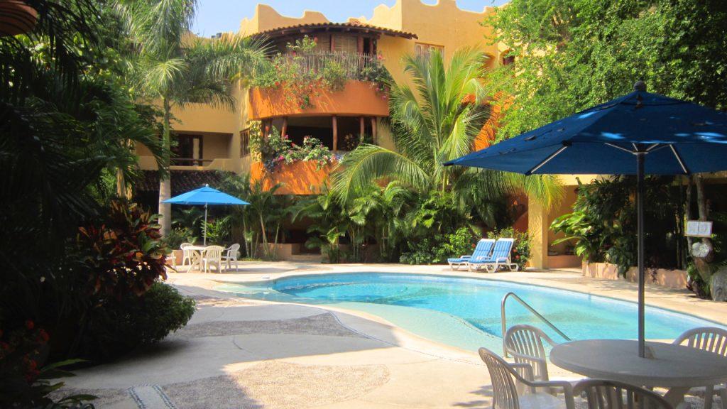 Casa Ceiba pool