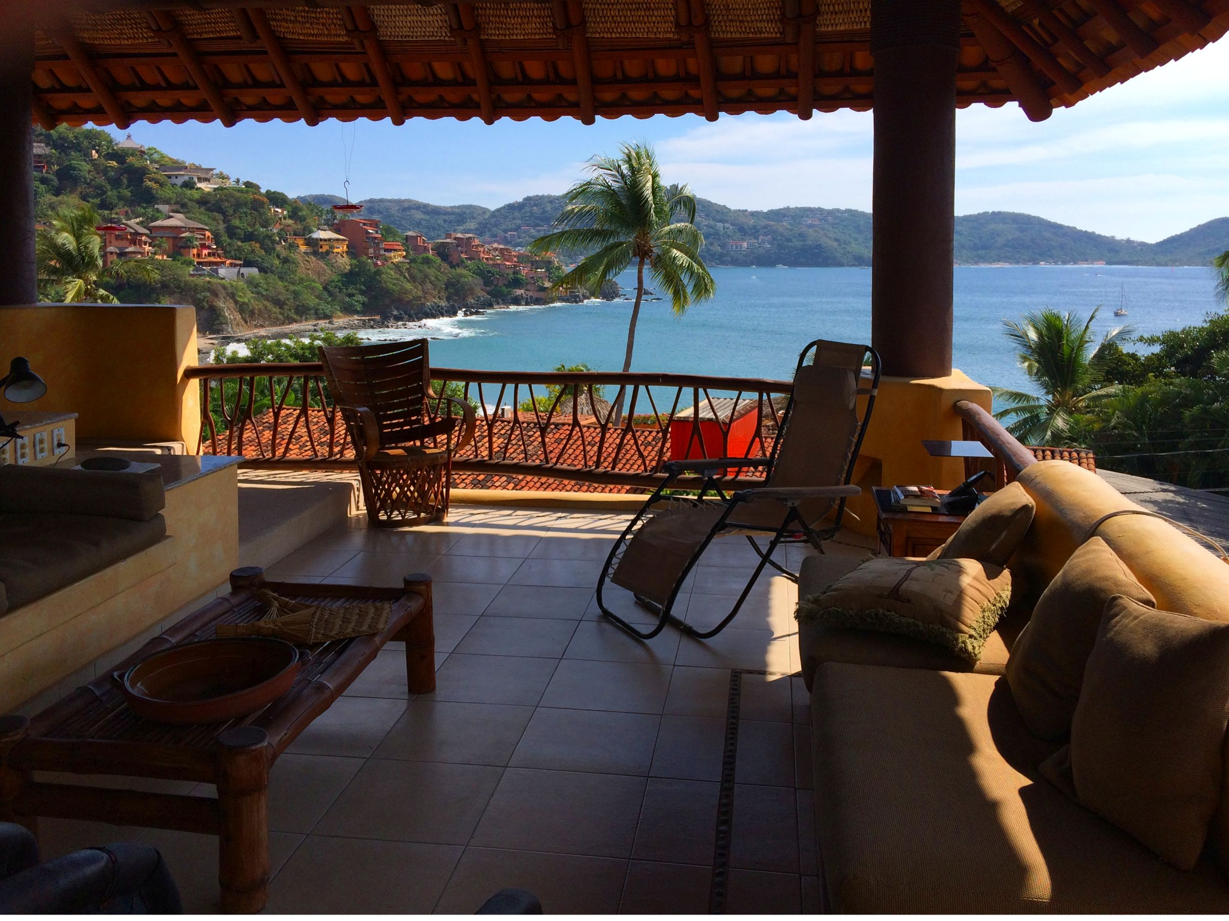 Playa Madera Hilltop Home with view of Zihuatanejo Bay